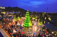 legoland-malaysia-christmas-tree-01