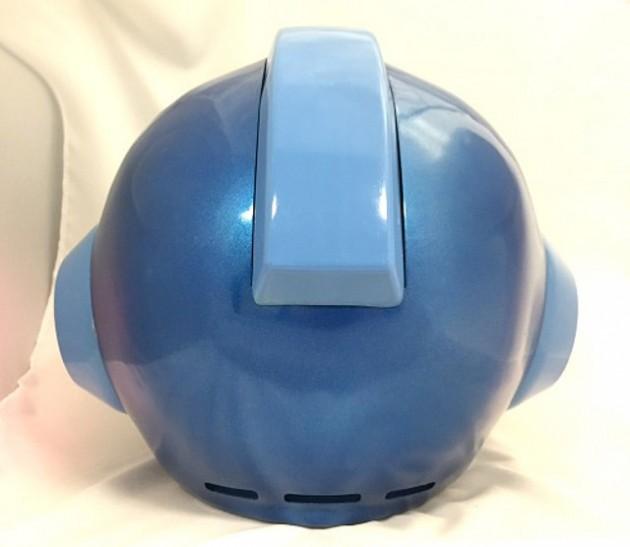 Capcom-Releasing-A-LightUp-Mega-Man-Helmet-2